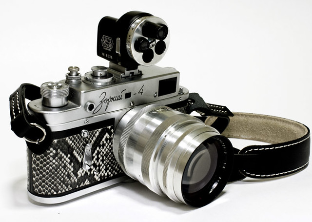 Camera Porn - Self-mod minty snake-skin Zorki 4 with Jupiter 9 85mm f2 and Turret viewfinder, Philip Tay's soft release and Artisan&Artist double stitched leather strap