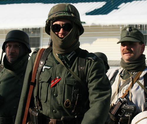 portrait pennsylvania gis wwii helmet battle ww2 soldiers uniforms 2009 reenactment kawkawpa worldwar2 battleofthebulge soldats fortindiantowngap img1515