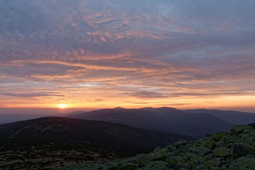 krkonoše karkonosze giantmountains východ slunce sunrise clouds riesengebirge