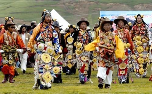 Khampa Tibetan Costume at Litang   World cultures, Tribal