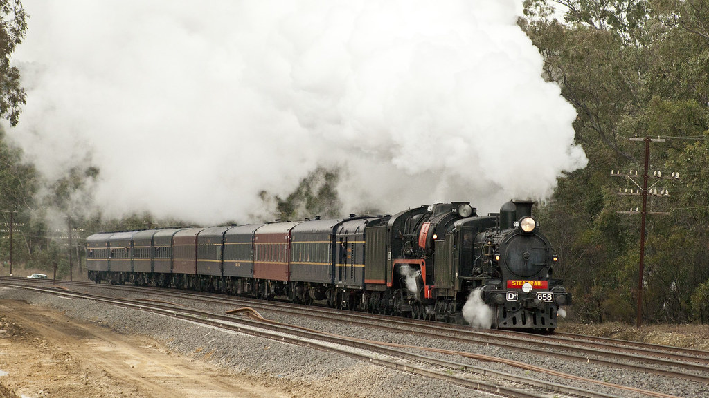 D3658 and R761 at Dockerey's Road by michaelgreenhill