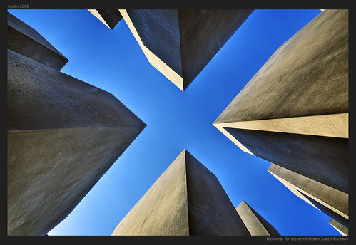 x | by Wolfgang Staudt
