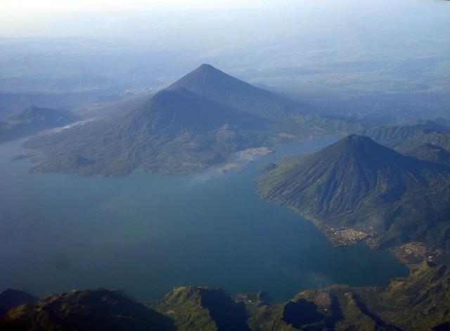 Lago Atitlán, vista aerea | Guatemala, Atitlan. El Lago Atit… | Flickr