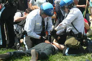 USPP.Arrests.Counter.NSM.IllegalImmigrants.WDC.19apr08 | by Elvert Barnes