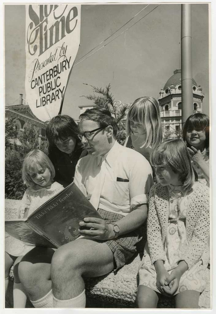 Bill Elderton reading in Cathedral Square