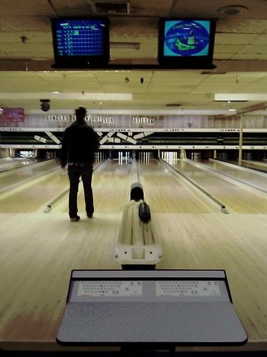 cameraphone vanishingpoint newhampshire nh newport bowling lanes candlepin candlepinbowling sunsetlanes dougmcdermott sunsetlanesandlounge