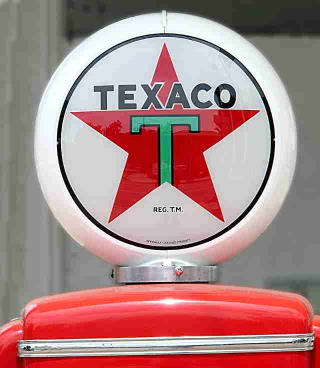 Texaco Gas Pump Crown