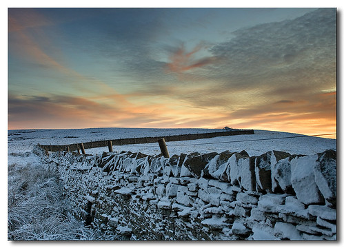 uk sunset england snow color colour clouds canon colours britain hills moors moor northeast eos400d canoneos400d