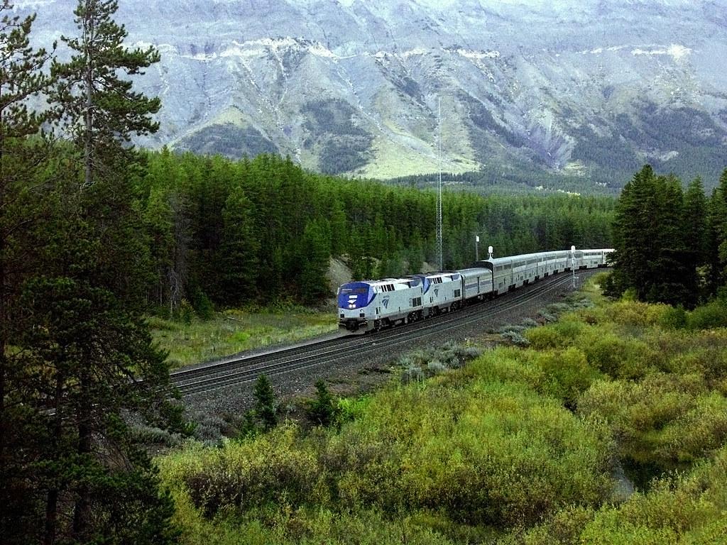 Amtrak Empire Builder on Marias Pass, Montana | Amtrak's wes… | Flickr