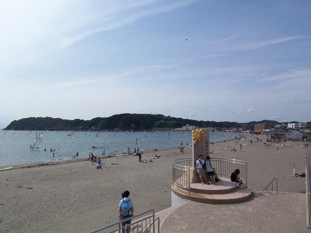 逗子海岸 太陽の季節記念碑