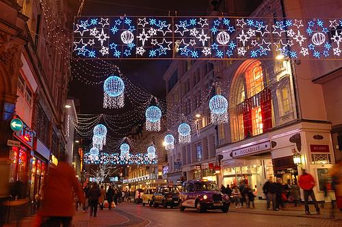 Birmingham Christmas Lights.Christmas Lights In New Street Birmingham City Sidewalk