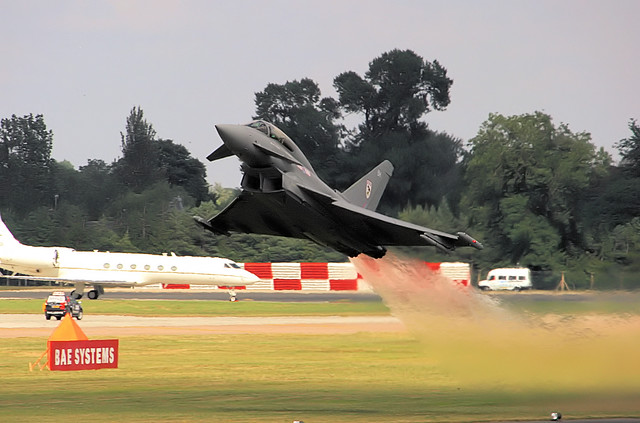 Typhoon - RIAT 2005 | Sheer skill of the pilot and the pure