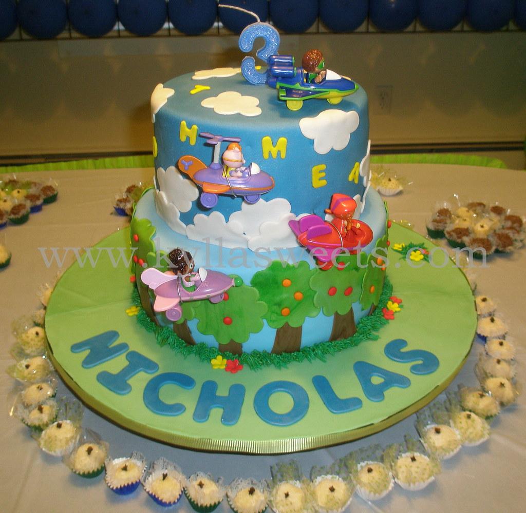 Fantastic Super Why Themed Birthday Cake Fernanda Lopes Flickr Personalised Birthday Cards Paralily Jamesorg
