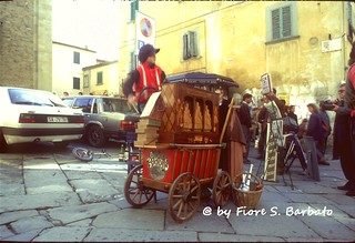 Arezzo (AR), 1992, l'organetto a schede perforate.