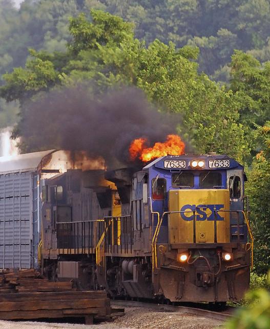 CSX Transportation GE C40-8 7633