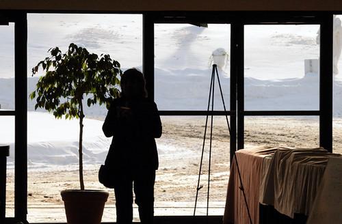 windows winter people snow newyork portraits outside inside yiddish classes jewishmusic kerhonkson niknala klezkamp nikond300 hudsonvalleyresortandspa 23dec2008 yiddishfolkarts klezkamp2008 klezkamp24 nikkorafvrzoom70200mmf28gifed 1200091mu