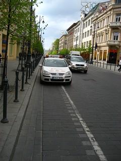 CDJ625 (car on cycle lane)