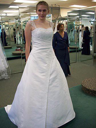 Betsy Bennett Trying On Wedding Dresses Www Wedding Sc