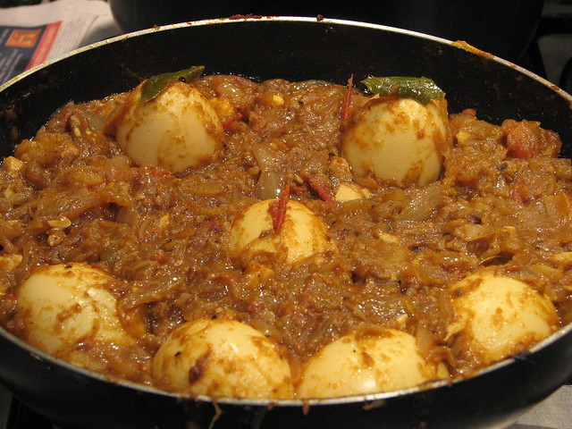 Egg smiley curry