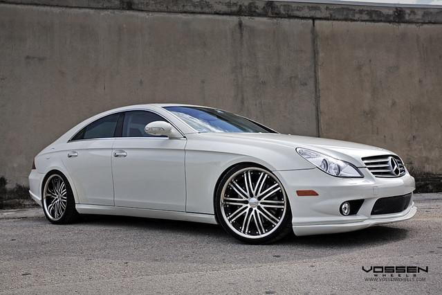 Mercedes Benz CLS 550 on Vossen VVS082 Wheels