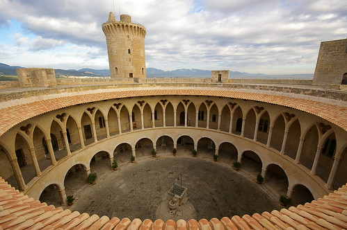 panorama tower castle circle spain day torre cloudy gothic sigma arches patio round vista arcades chateau 1020mm schloss turm mallorca palma castillo circular pati païsoscatalans arcadas castell palmademallorca bellver illesbalears gòtic gótico rodó sesilles mywinners 100commentgroup leuropepittoresque