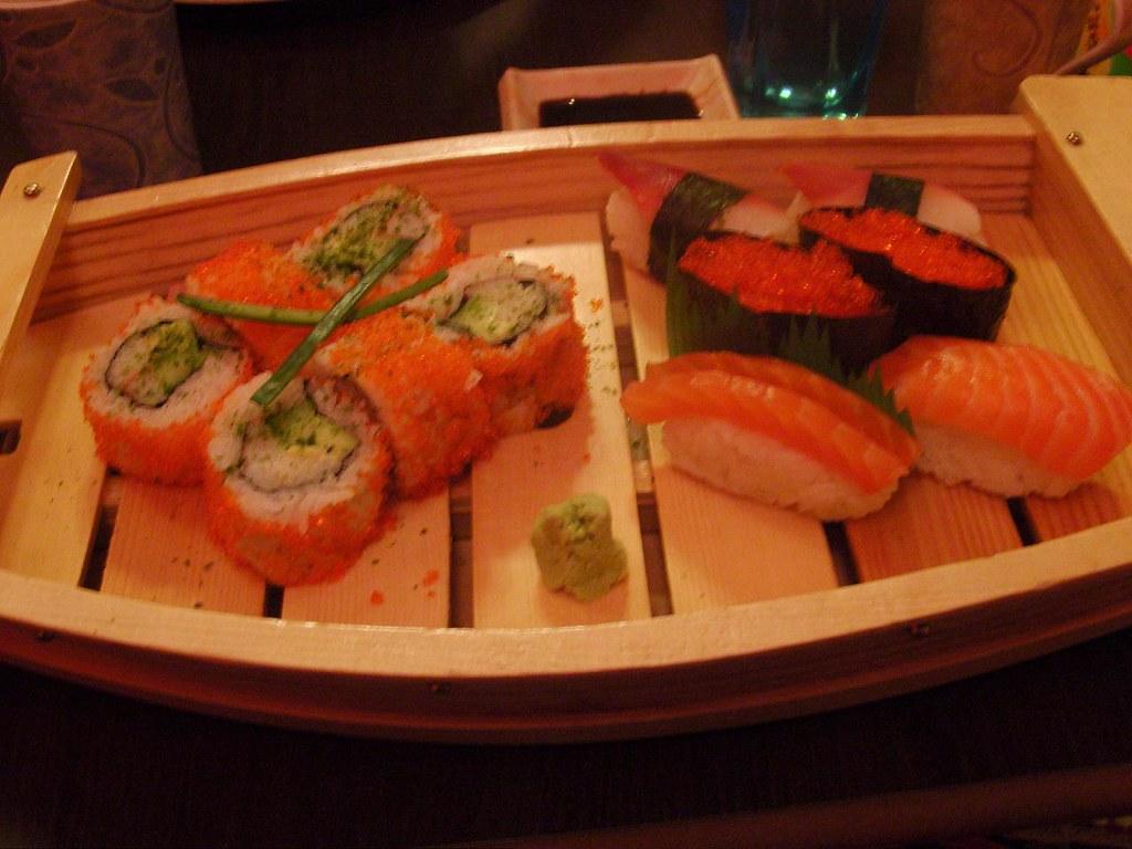 York Lolita Meetup - Sushi porn! | God I love sushi | Sarah ...