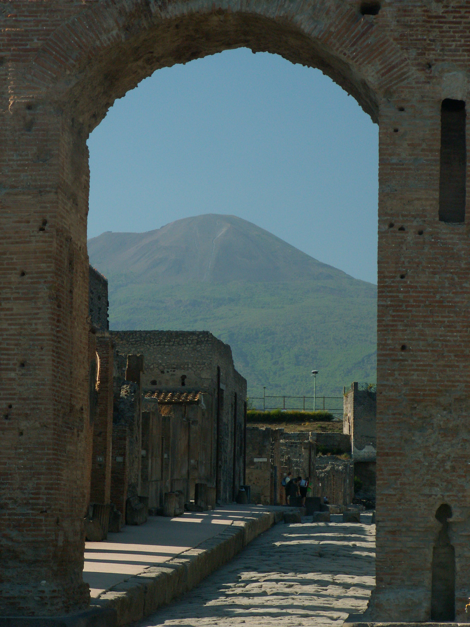 Out of the ashes: Catherine Baker discusses life in a non-elite Pompeiian neighborhood