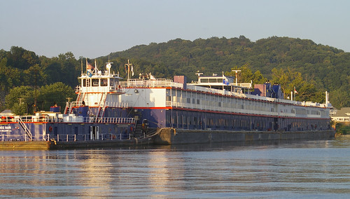 Barge on the Mississippi -- www.riverbarge.com | by bk1bennett