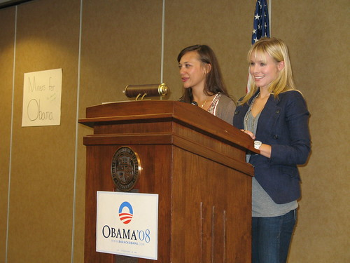 Kristen Bell and Rashida Jones at S and T in Rolla 100308 016 | by Barack Obama