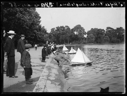 Angleterre a Hyde Park Londres   by George Eastman Museum