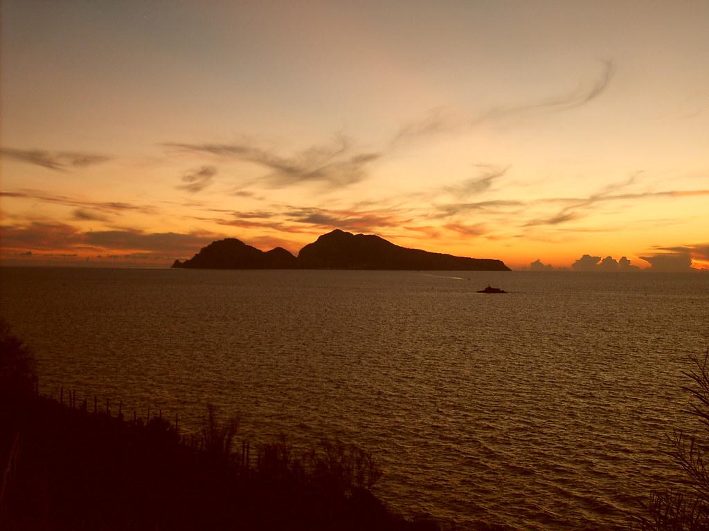 aliexpress 50-70% di sconto comprare a buon mercato Molti vedono nell'isola caprese una figura di donna distes… | Flickr