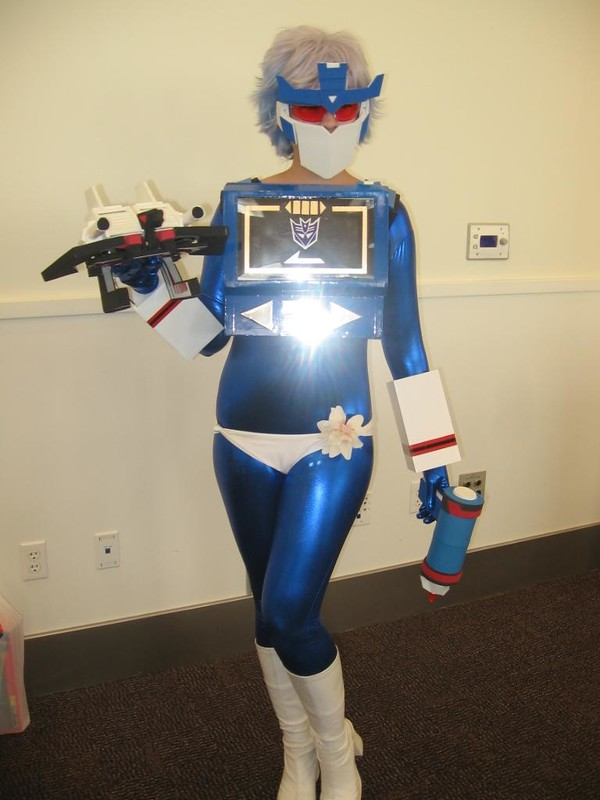 A female Soundwave. Rowr.
