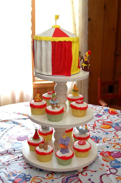 Circus Cake 4