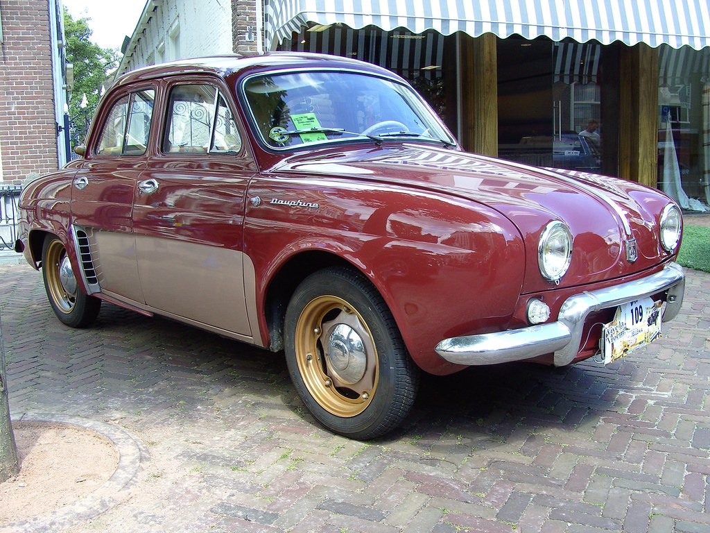 Renault Dauphine The Renault Dauphine Is An Automobile Pro Flickr