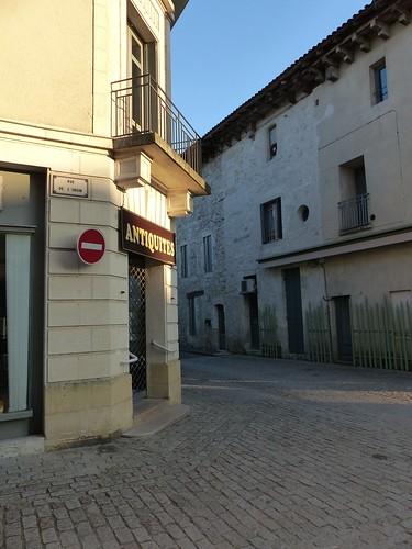 Eymet, Dordogne: rue de l'engin!!!