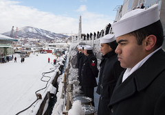 Sailors man the rails as USS McCampbell (DDG 85) arrives in Otaru, Feb. 3. (U.S. Navy/MC2 Jeremy Graham)