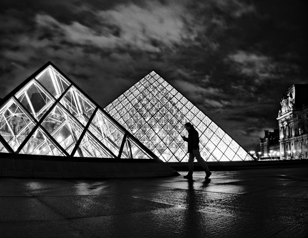 Night intrigue at the Louvre pyramids