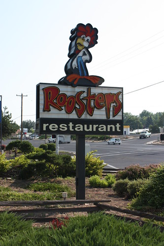 road trip travel vacation food holiday signs tourism sign oregon digital canon way mom eos rebel restaurant high highway scenery kiss neon open view side scenic diner roadtrip tourist pop retro hwy views americana lonely neonsign roadside dslr dennys roosters oldsign xsi momandpop x2 oldsigns loneliest loneliestroad 450d retr ontheopenroad canoneos450d canoneosdigitalrebelxsi kissdigitalx2canon noticings