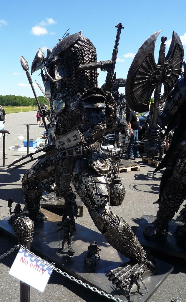 Predator | All these figures are made entirely of scrap ...