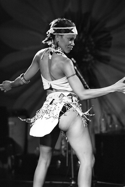 Shikisha Zulu Cultural Vocalist Dance Group from Durban South Africa at the National Theatre London B&W Thoko Aug 2000 008