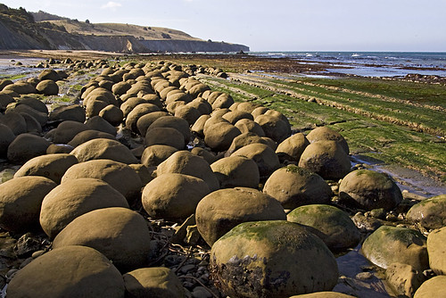 Bowling Balls Beach #02   by zug zwang
