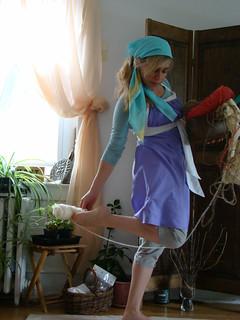 Emmeline Apron Lilac side