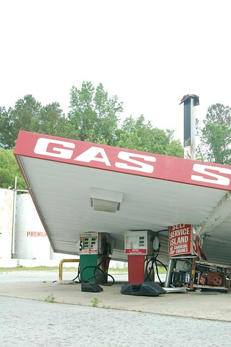 Chinquapin Gas Station 2 | by Rob Bellinger