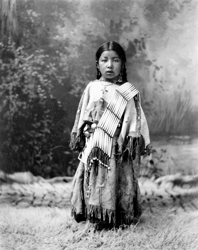 Her Know, Dakota Sioux, by Heyn Photo, 1899 | Her Know, [Ame