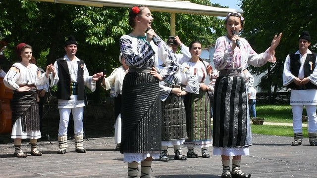 VIDEO: Romanian folklore from Vrancea