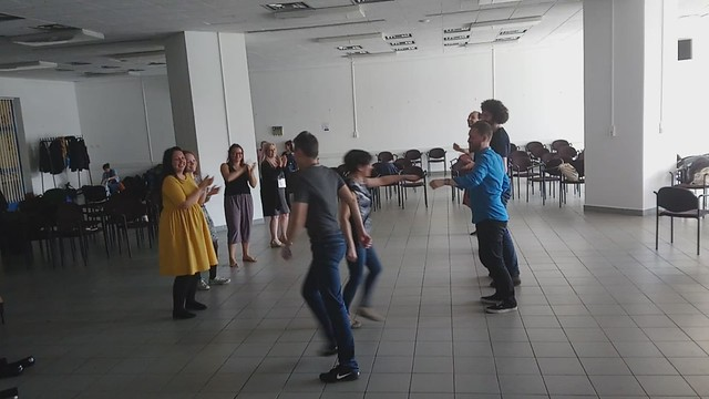Polyglot dance workshop