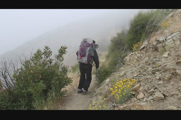 0938 Video of strong gusts of wind as we descend from Upper Lytle Creek Ridge in the PCT into Lone Pine Canyon
