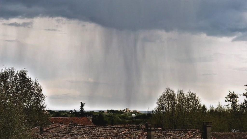 Version animée d'un orage sur Moussac, Gard