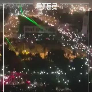 فيديو.. عشرات الآلاف يتظاهرون في بغداد مطالبين بإسقاط النظام