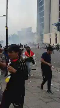 """العفو الدولية: القوات الأمنية العراقية """"تقتل"""" المحتجين بغاز """"يخترق الجماجم"""""""